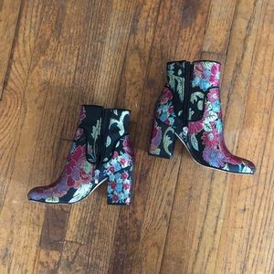 Marc fisher embroidered booties